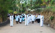 Vereadores participam de procissão em comemoração ao dia de Santo André Avelino do Distrito de Saué – Tamandaré – PE.